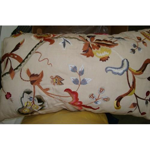 Crewel Pillow Alissa Cream Cotton Duck 14x24