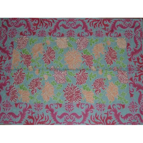 Crewel Rug Lotus Borders With Pink And Green Chain