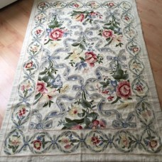 Crewel Rug Bow and Ribbon Pastels Chain stitched Wool Rug