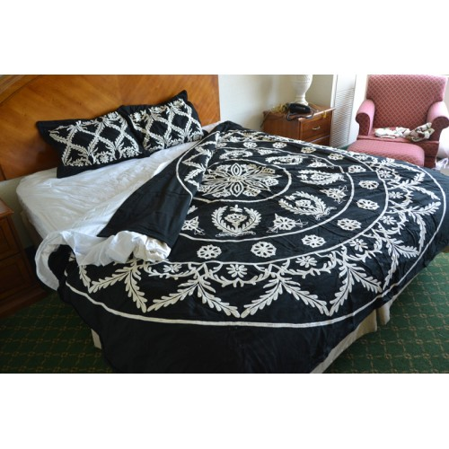 Crewel Bedding Art Deco White On Blackgrapes Queen Cotton